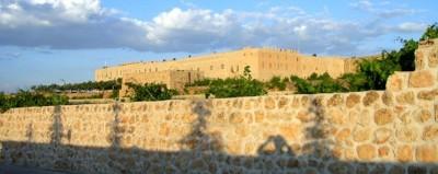 Kloster Mor Gabriel in der Abendsonne